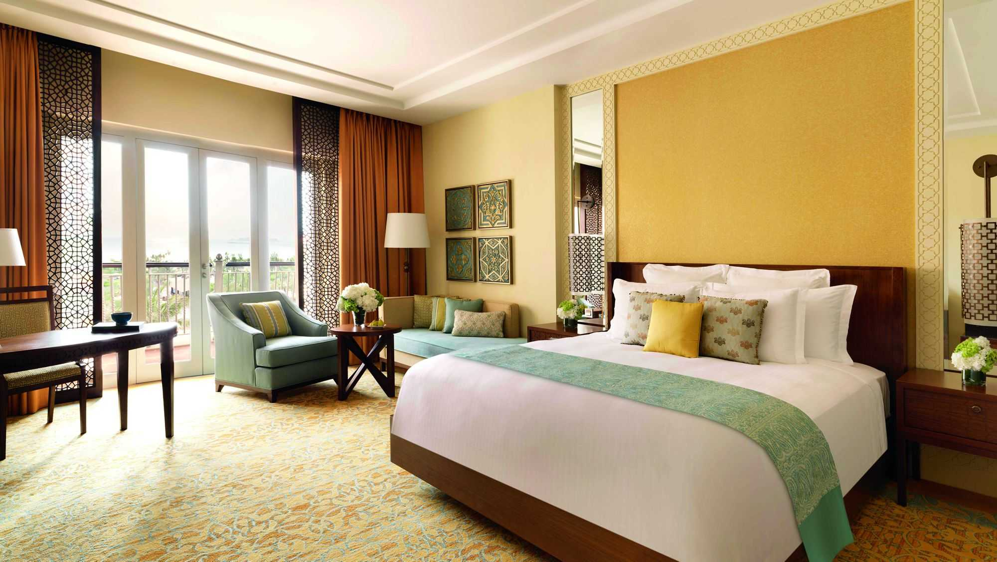 Accessible Marriott Ritz-Carlton Dubai King Bed