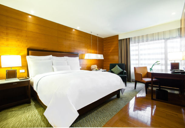 Accessible JW Marriott Hotel Bangkok King bed