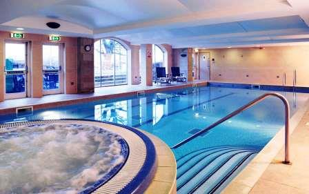 Accessible Hotel Tankersley Manor pool