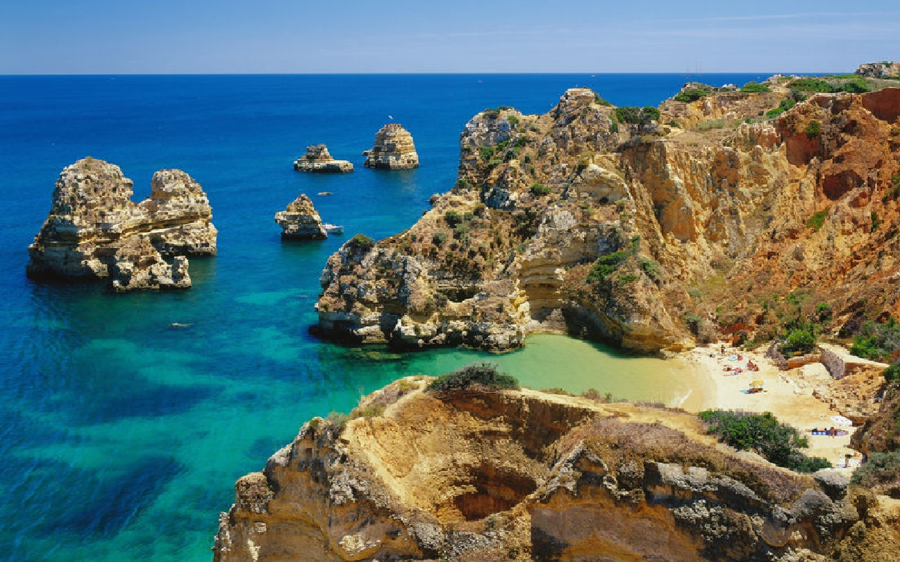 Algarve holiday villa beach