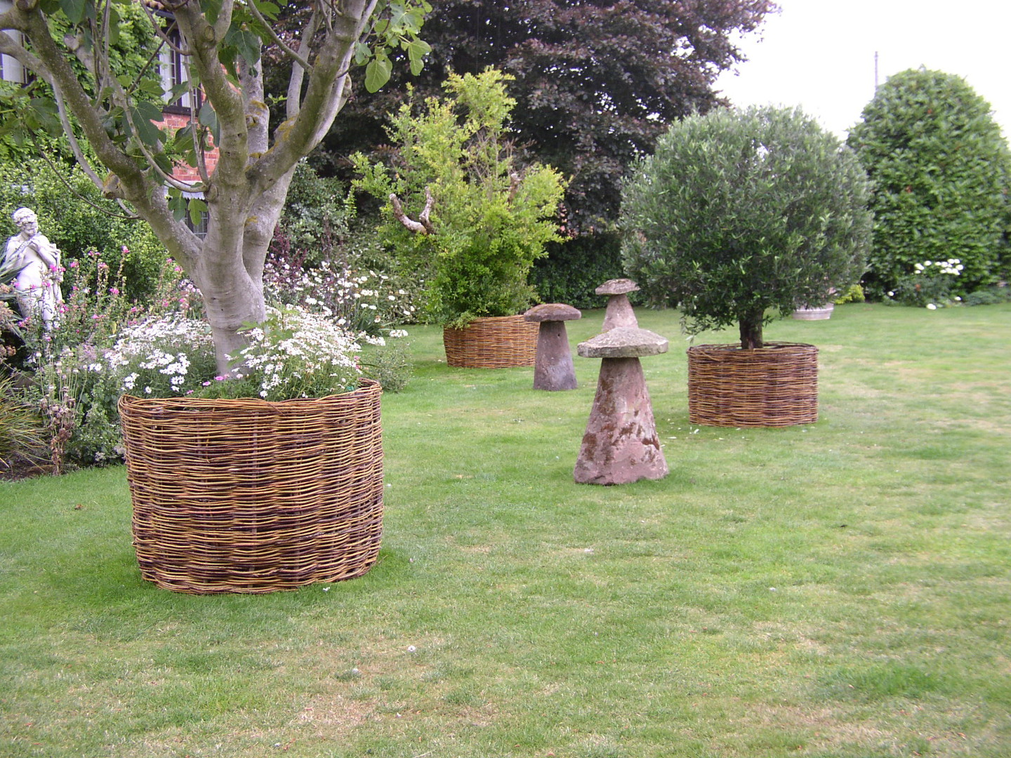 Willow Tree guards