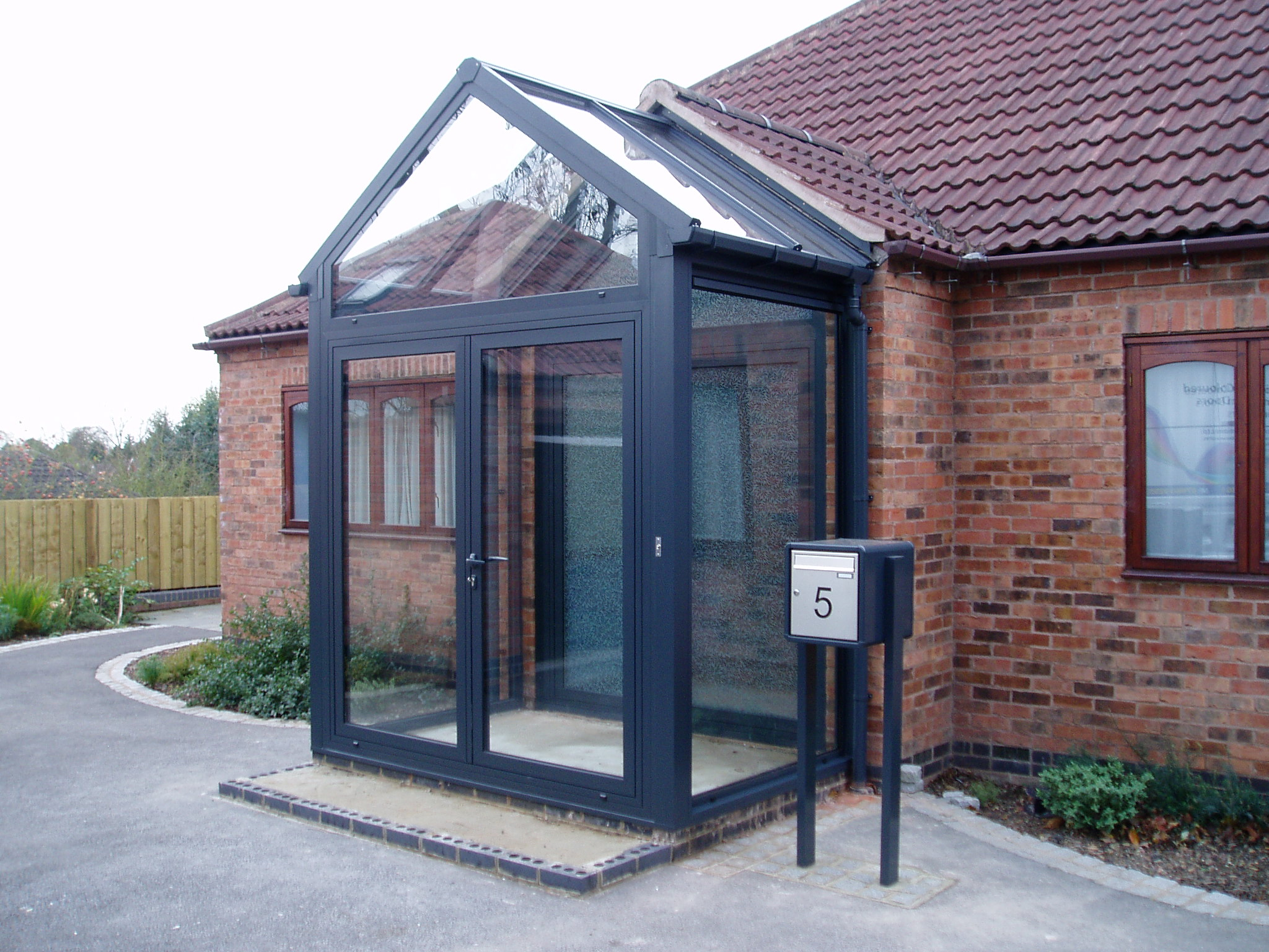 Entrance Porch With Glass Apex And Roof (2048×1536) |  Rozbudowa_inspiracje | Pinterest | Extensions, Porch And House