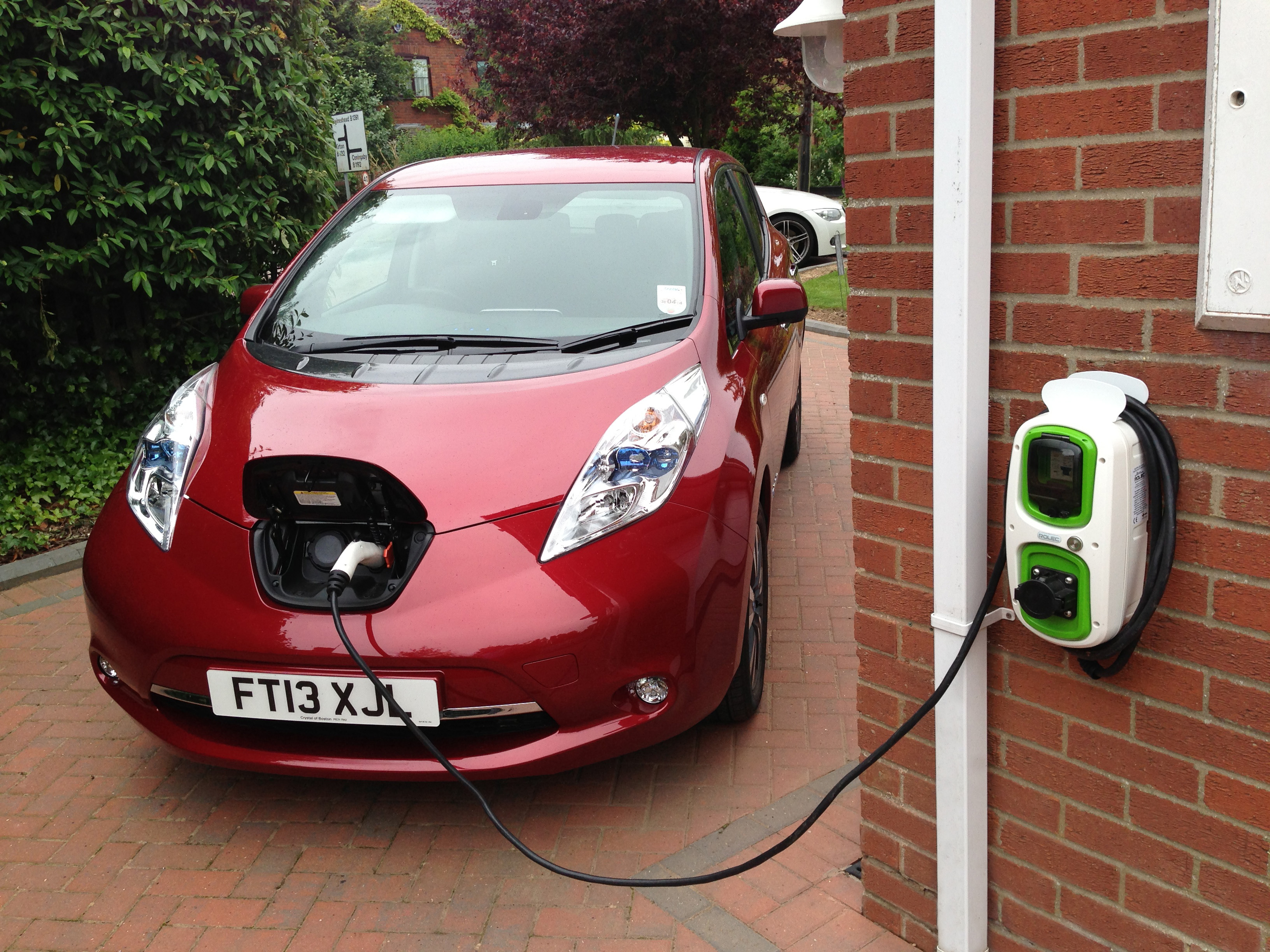 Do Cars In The Uk Have  Volt Chargers