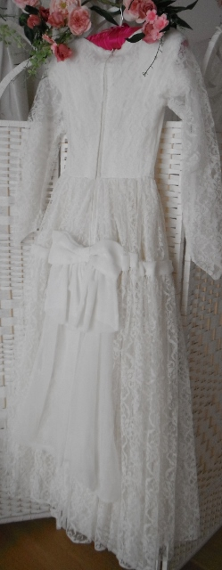 Sweetheart is a wedding dress from the 60's