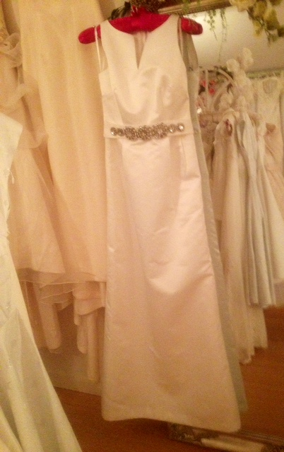 Vintage style wedding dresses for Sell your wedding dress fast