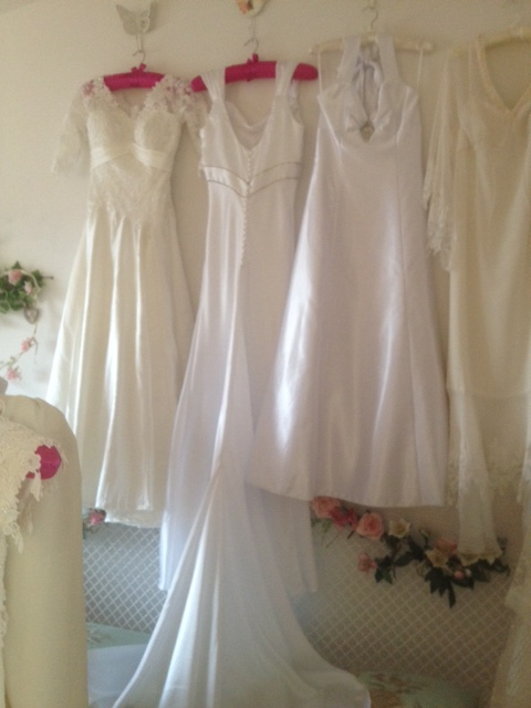 Shops that sell wedding dresses discount wedding dresses for Sell your wedding dress fast
