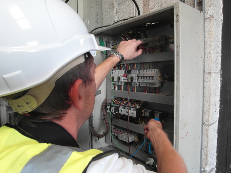 commercial electricians dalbeattie dumfries and galloway commercial and industrial electrical contractors dumfries and galloway