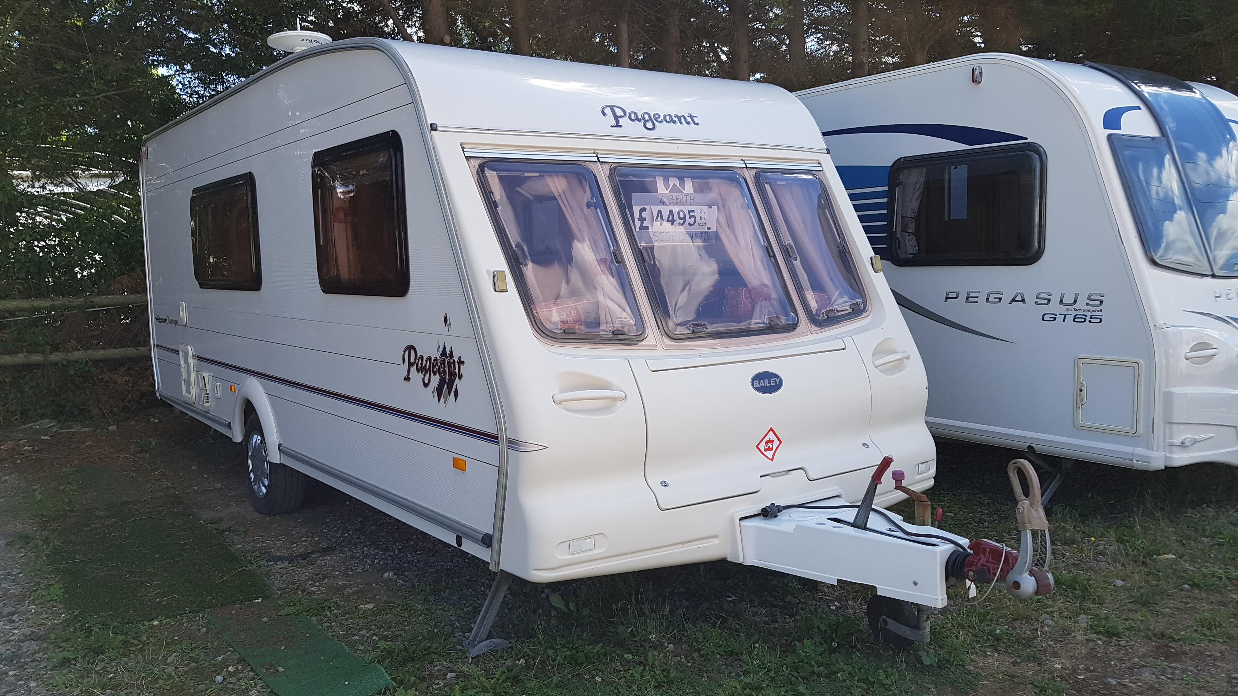 2002 Bailey Pageant Champagne 4 Berth Side Dinette End Washroom Caravan