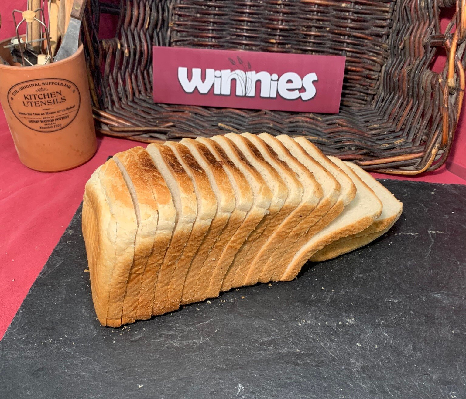 LARGE WHITE SANDWICH SLICED