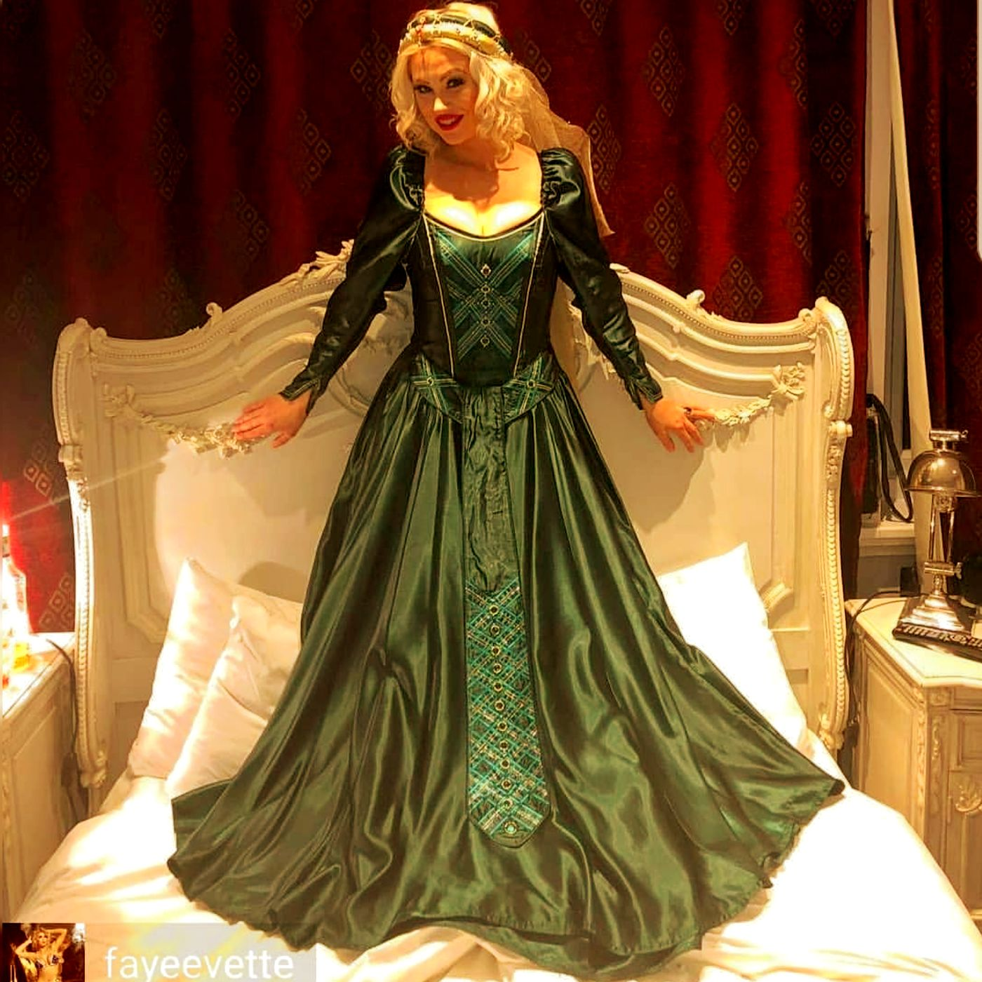 Castleton green. A ve neck medieval gown in green, petrol blue and gold.