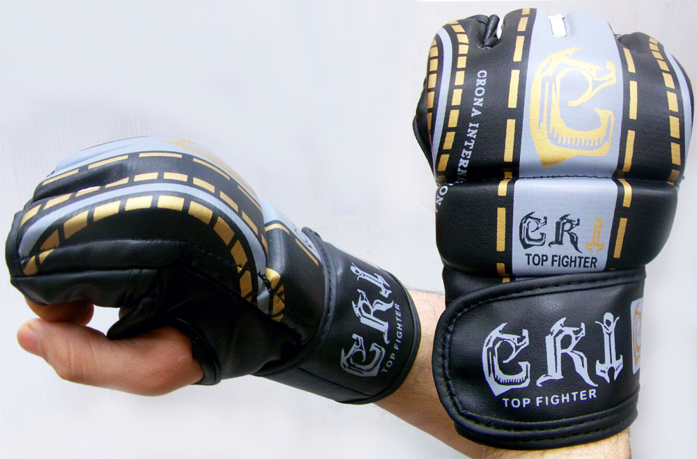 MMA UFC FIGHTING GLOVES BLACK /GOLD SIZE LARGE