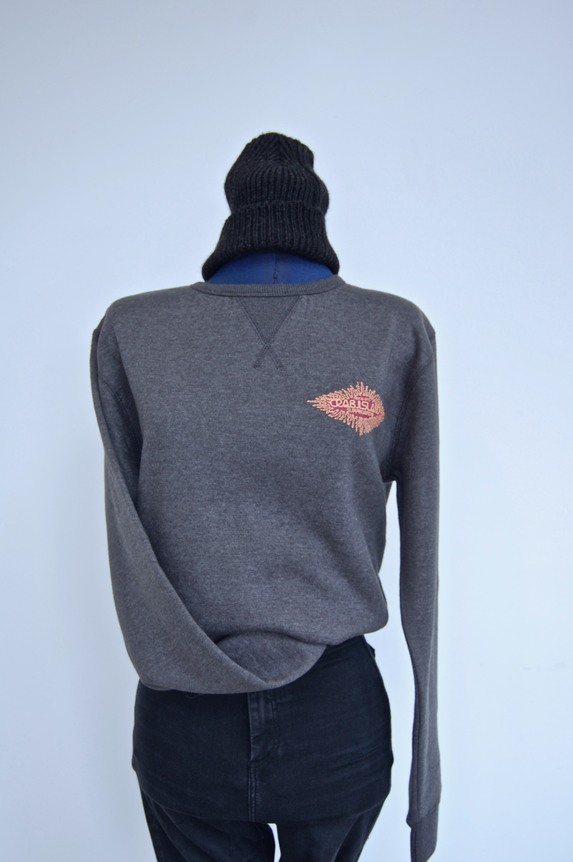 Dark grey jumper with Splash logo