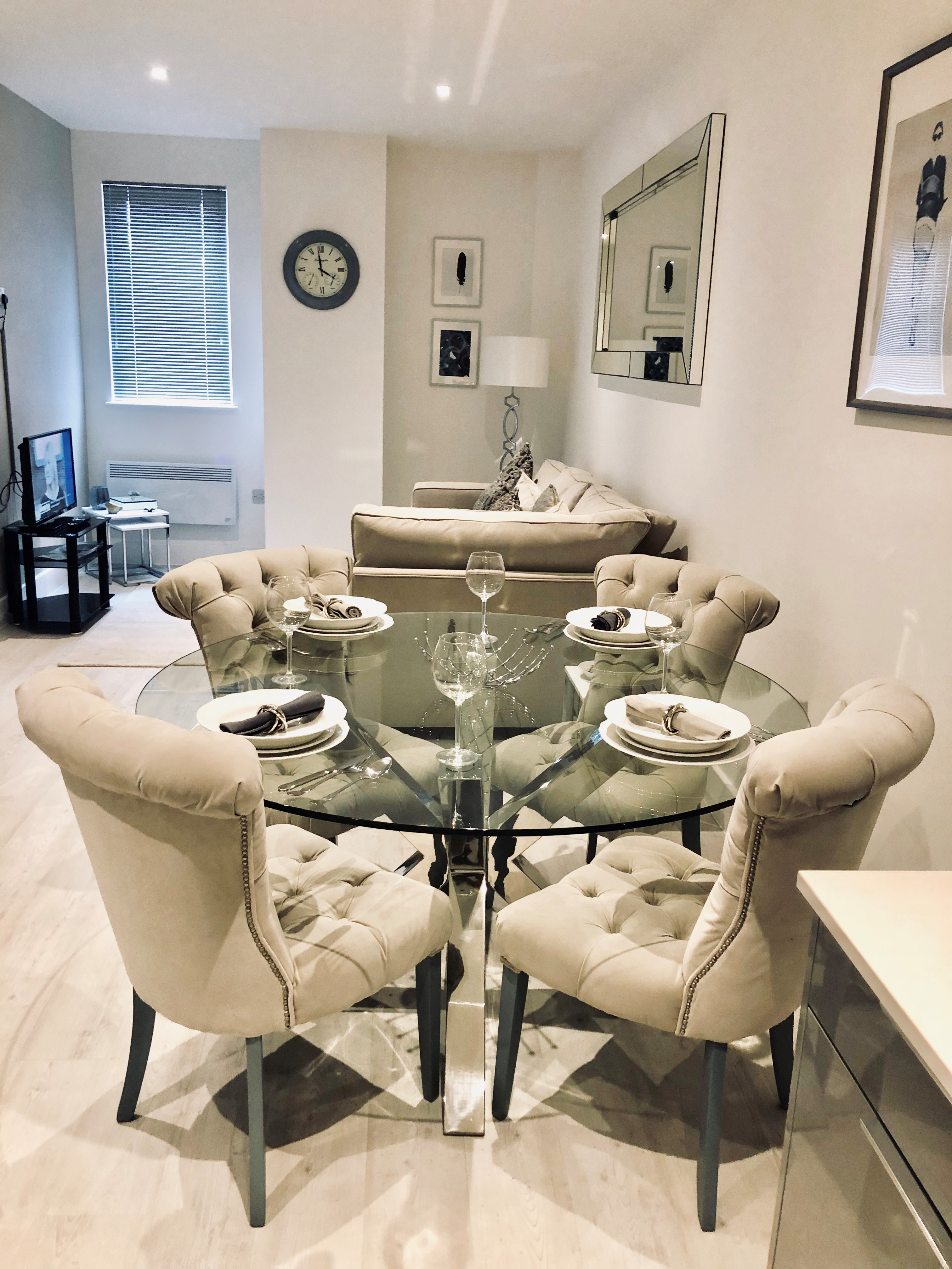 Snapos Luxury Serviced Apartments - Meridian House