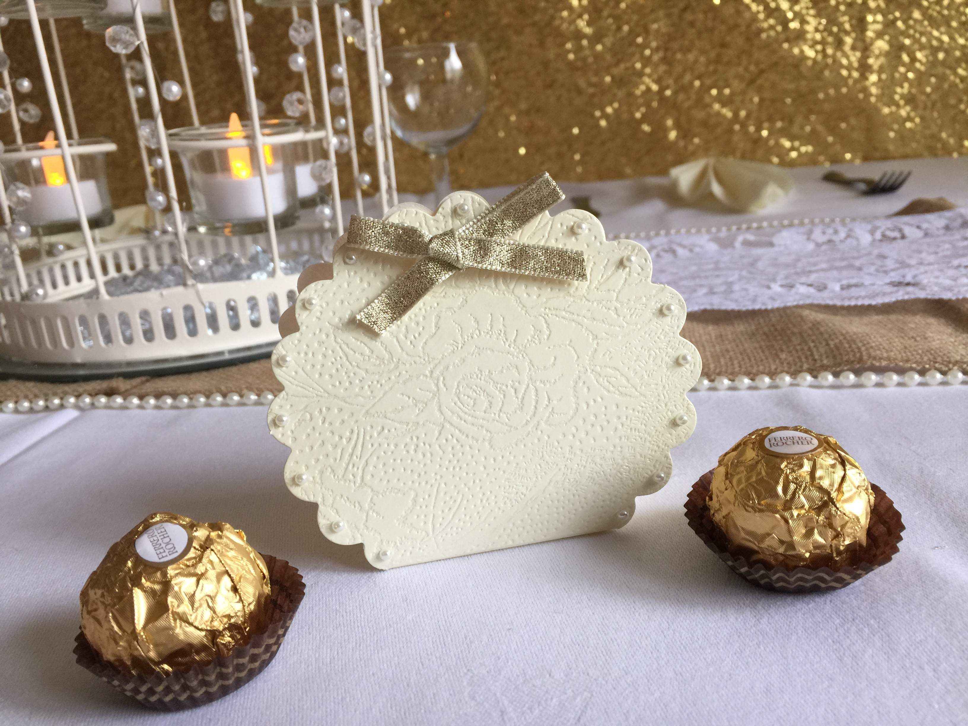 Pearl Shell Chocolate Filled Favour Boxes (Buy 5 get 1 FREE)