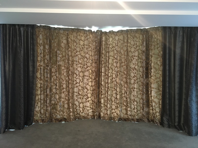 Large pair of Designer Guild twin pattern Curtains W394 D230