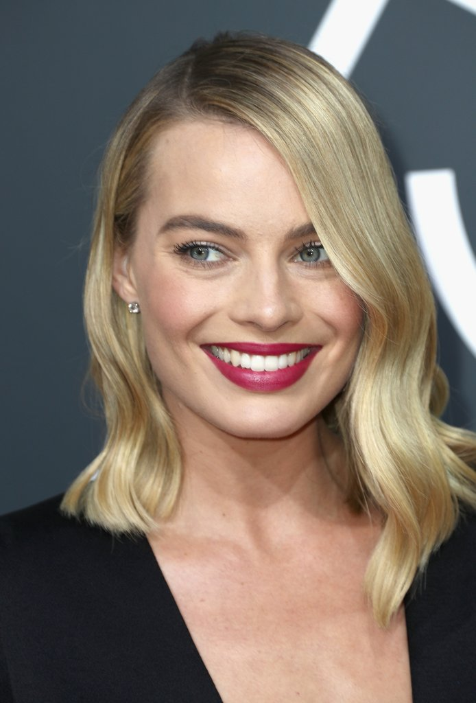 Margot-Robbie-2018-Golden-Globes.jpg
