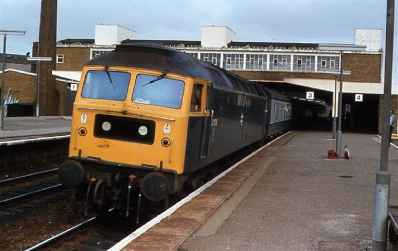 47376 at Banbury working  0815 Wolves - Portsmouth 04/09/82   (Alan Lea)