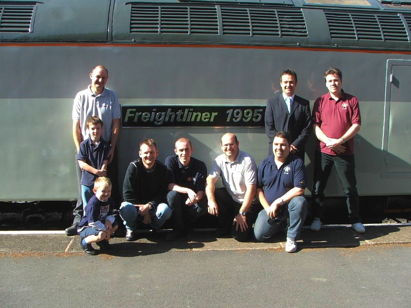 The Fund members present on the day of '376's naming that repainted the loco. 24/09/05