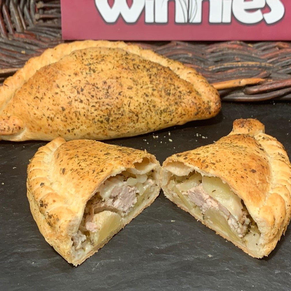 PORK & APPLE PASTY