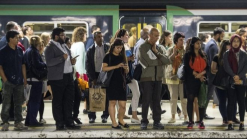 BBC News:  - Rail passengers lost 3.9m hours in 2018, Which?