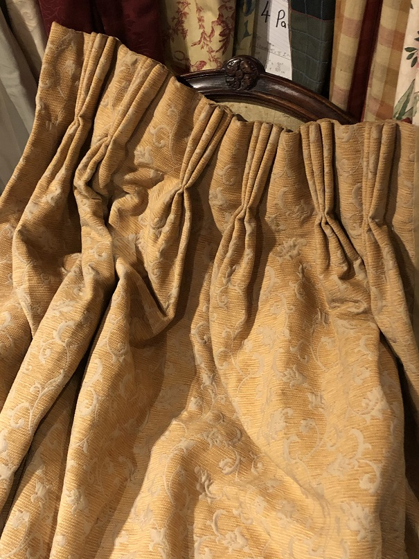 Cream/Yellow Long Damask Pinch Pleat Curtains W124 D277