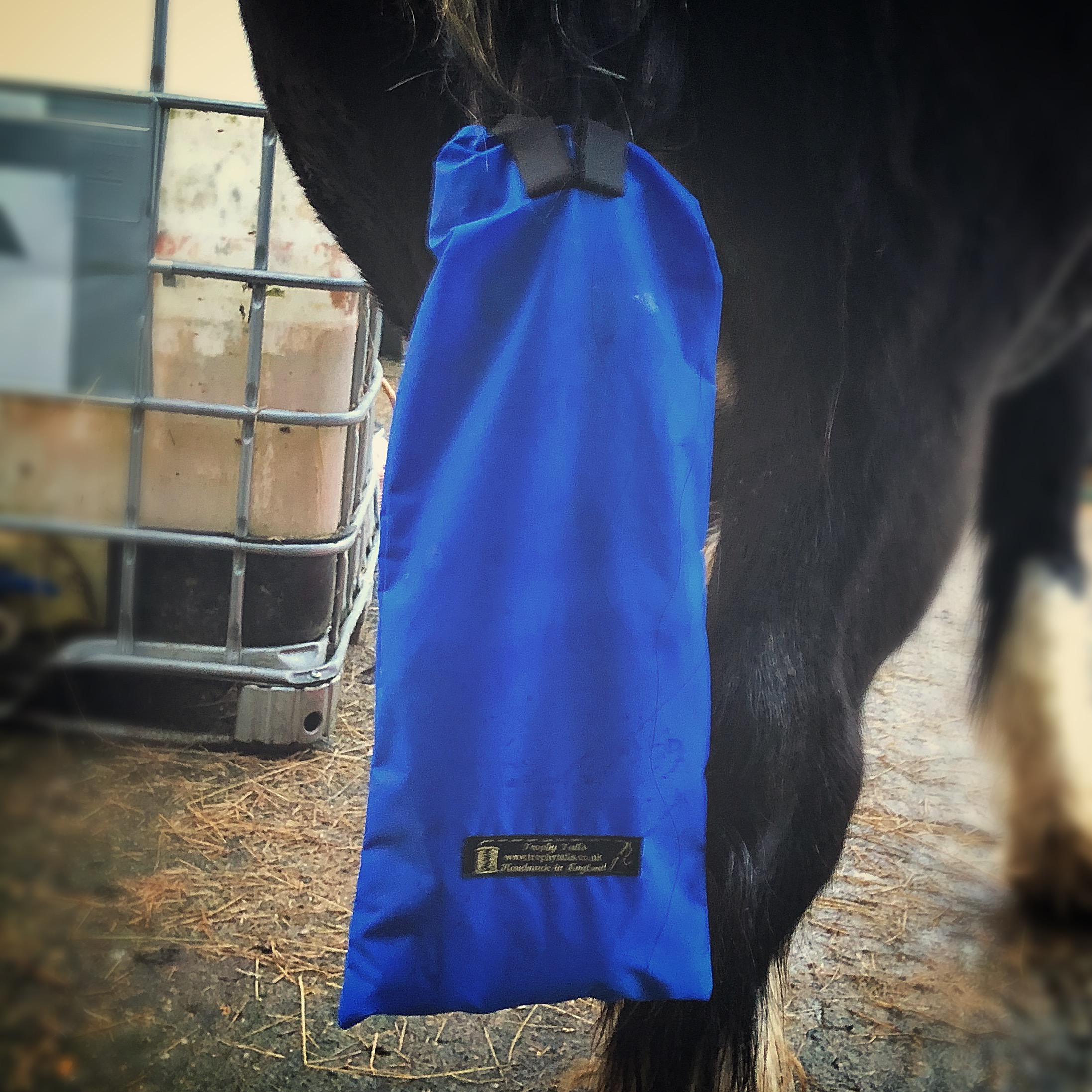 Big Cob Waterproof Tail Bag