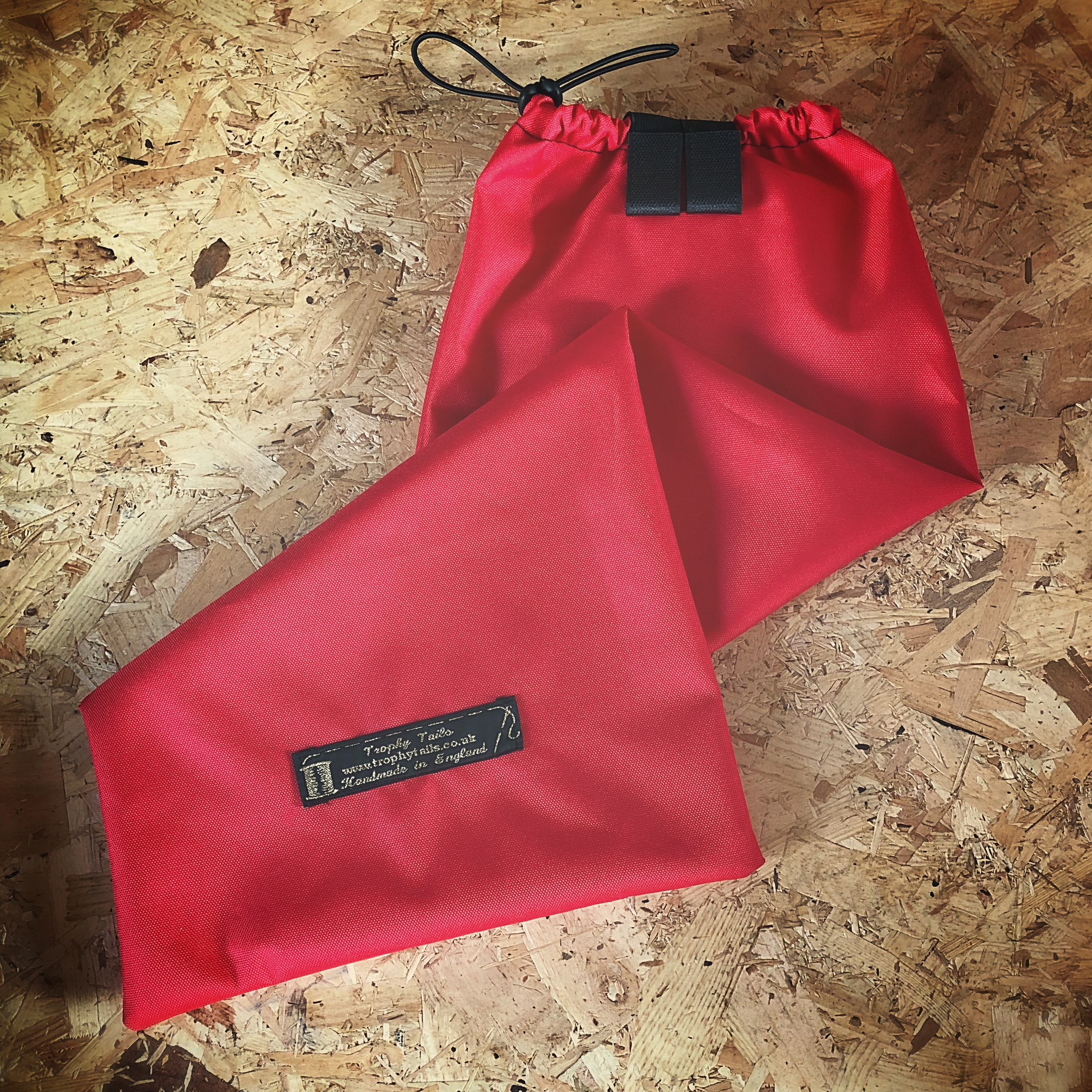 Ultimate tail bag - red