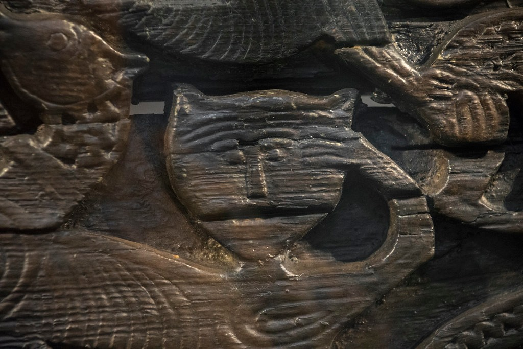 Picture: Cat carvings on  back of  Oseberg Cart
