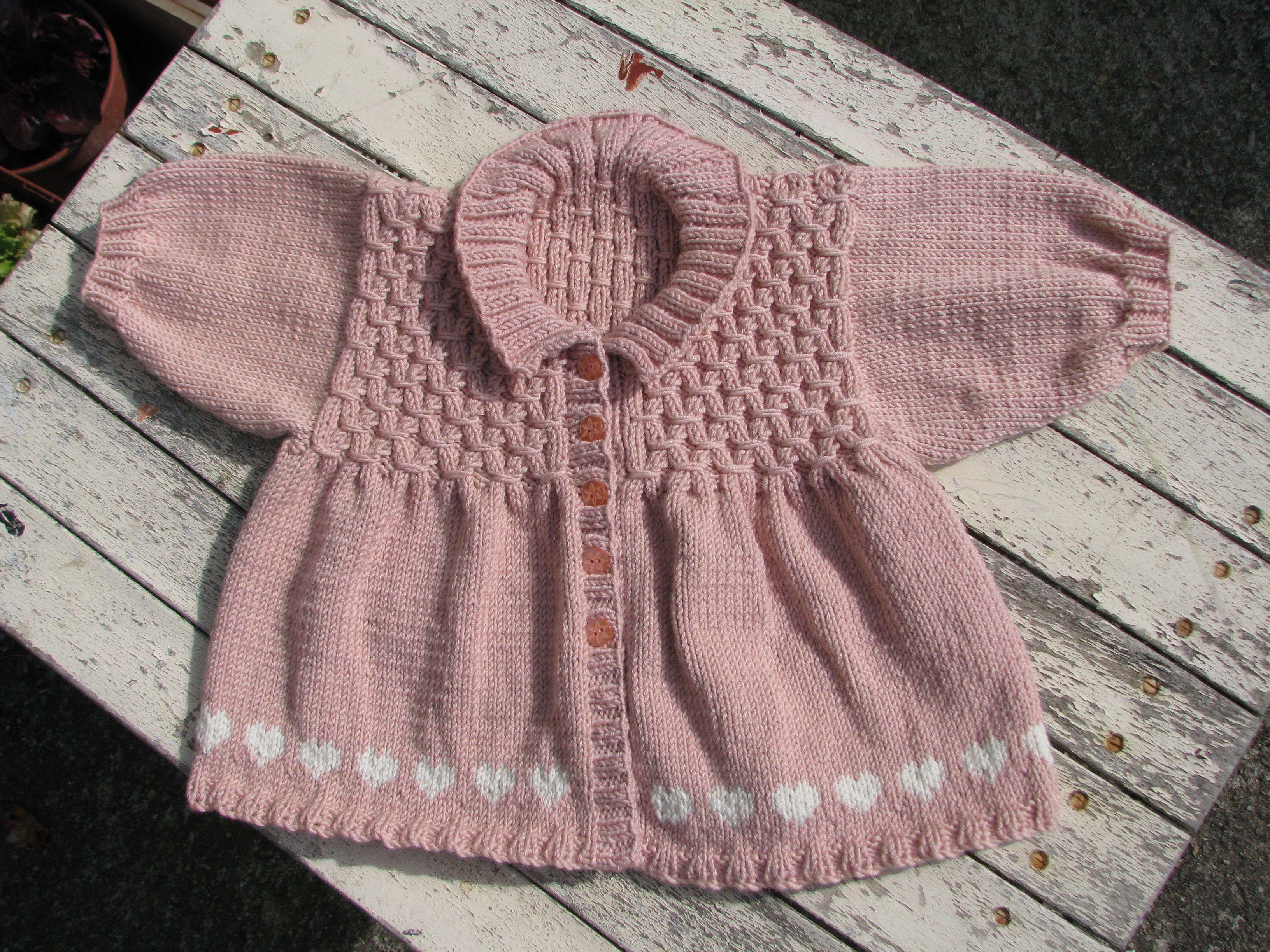 Knitting pattern - heart smock