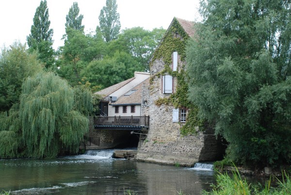 Le Vieux Moulin in summer – The water is low in the summer and provides great fun for all the family