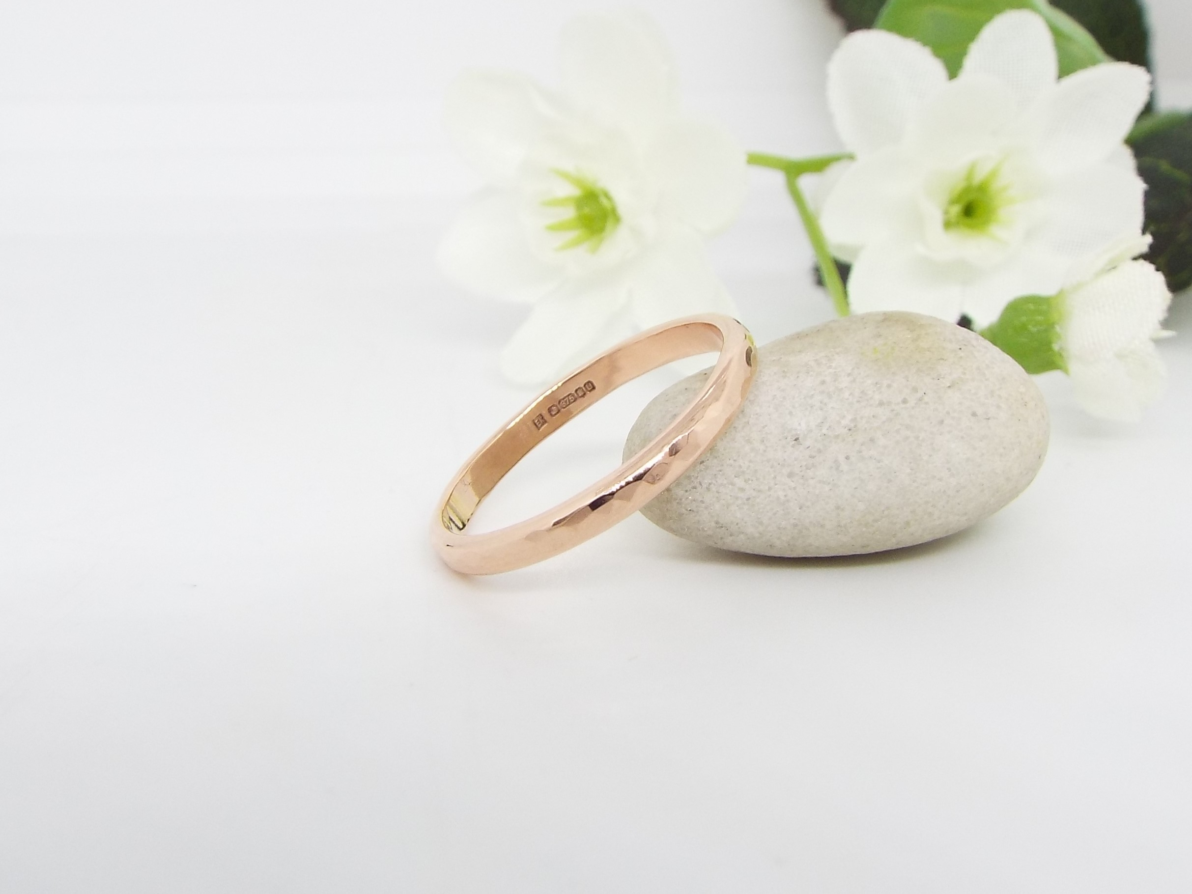 9ct Rose Gold Wedding Ring - Hammered finish - Slim