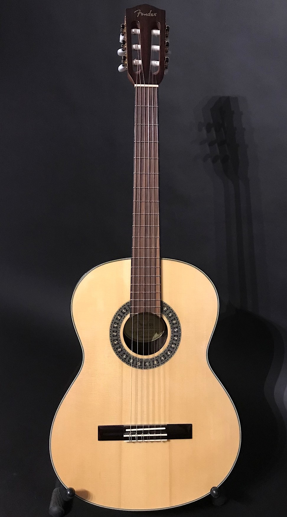 Fender CDN-210S Nat Narrow Neck Nylon Strung Guitar