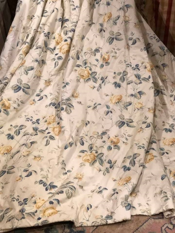 Cream with Yellow Roses Pinch Pleat Curtains W290 D220