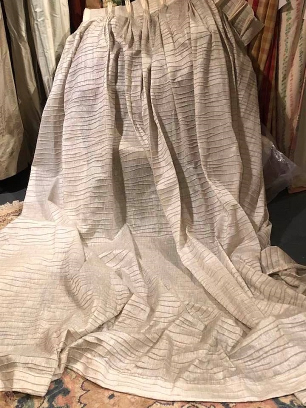 Mint Condition Grey Pinch Pleat Voiles W337 D241