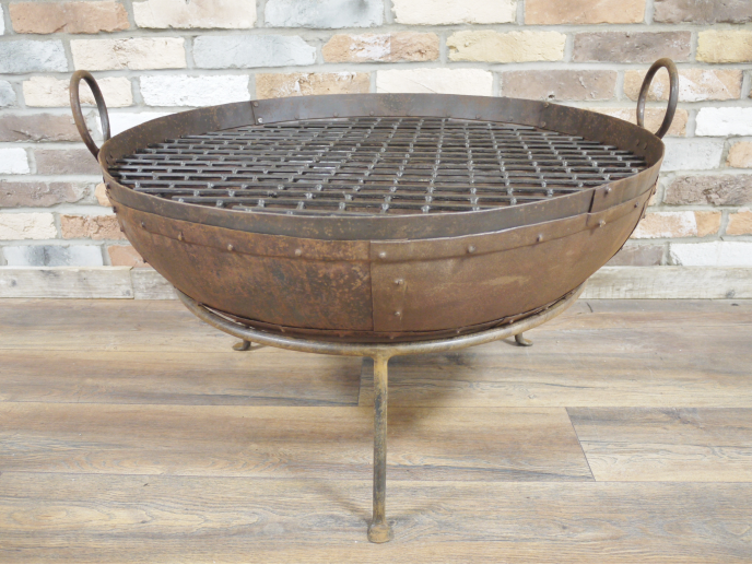 Firepit wrought iron.