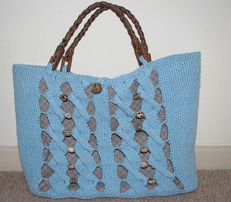 Knitting pattern - plaited bag