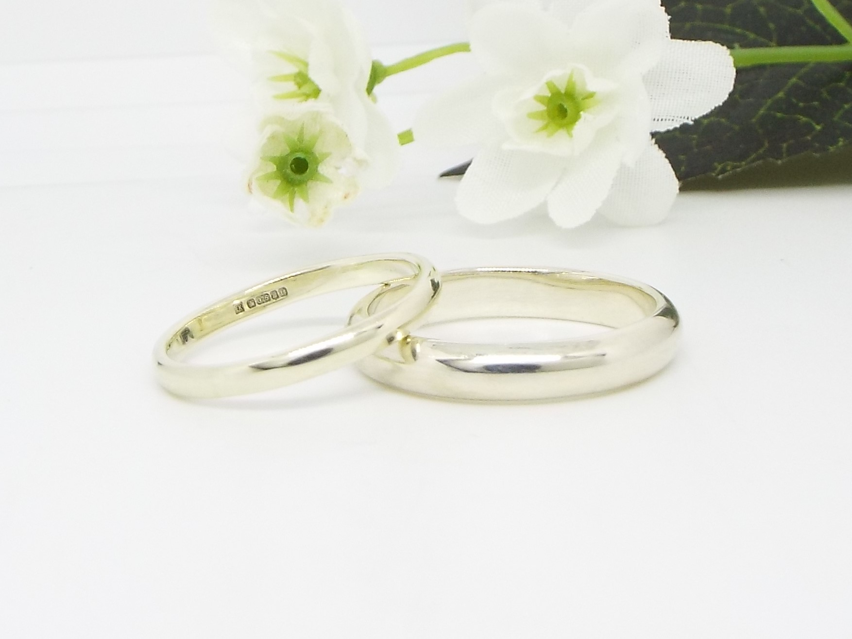 9ct White Gold Wedding Ring Set - Smooth Polished