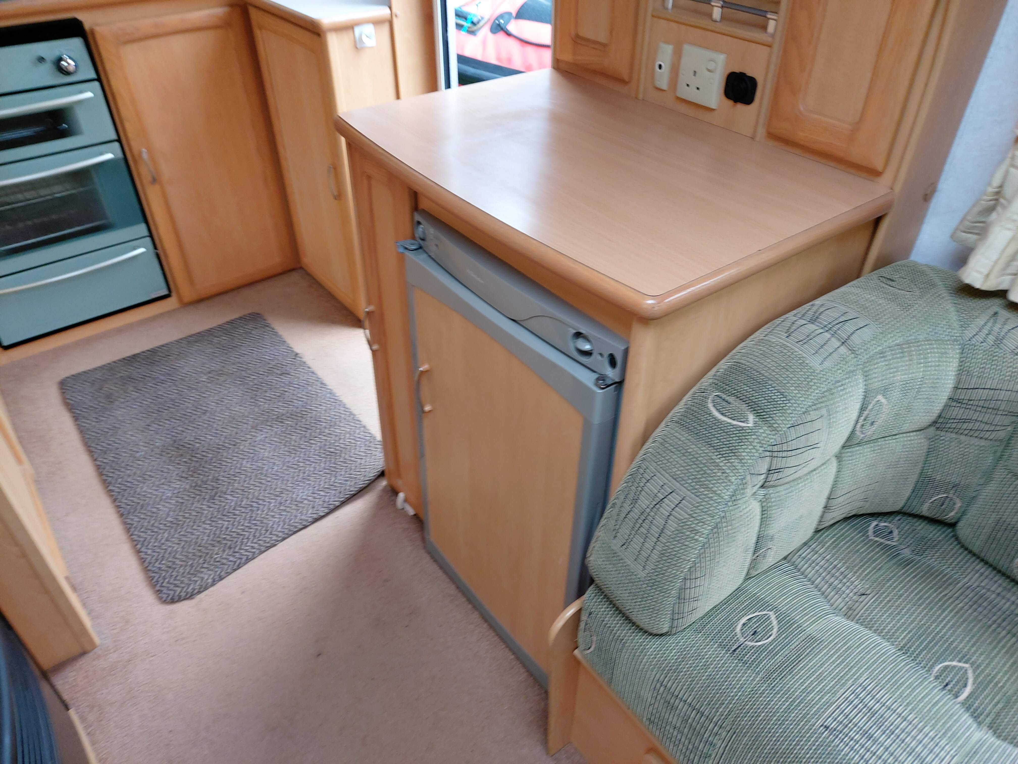 NOW SOLD 2002 Compass Omega 432 Berth End Kitchen Caravan with Motor Mover