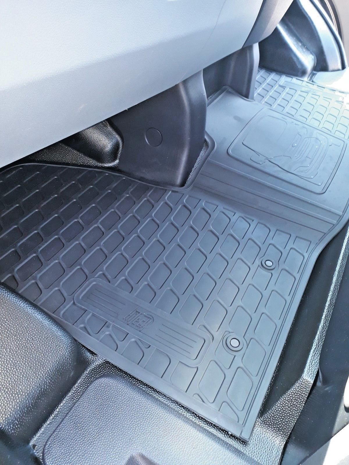 Ford Transit Custom Front Rubber Mat