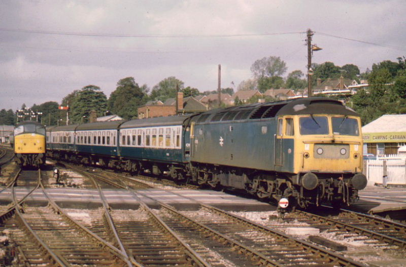 47105 arriving at Exeter St Davids - 03/09/83   (John Goodale)