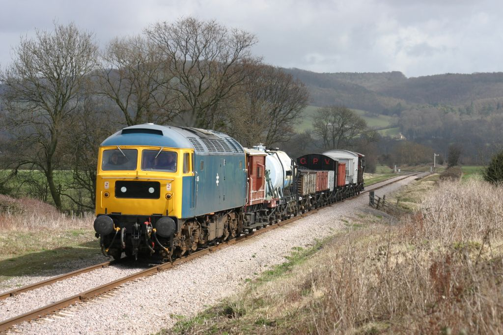 47105 heading for Toddington with a demonstration freight - 01/04/06  (Martin Measures)