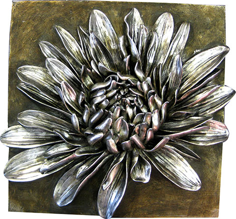 Silver coloured Crysanthamum 3D wall art.