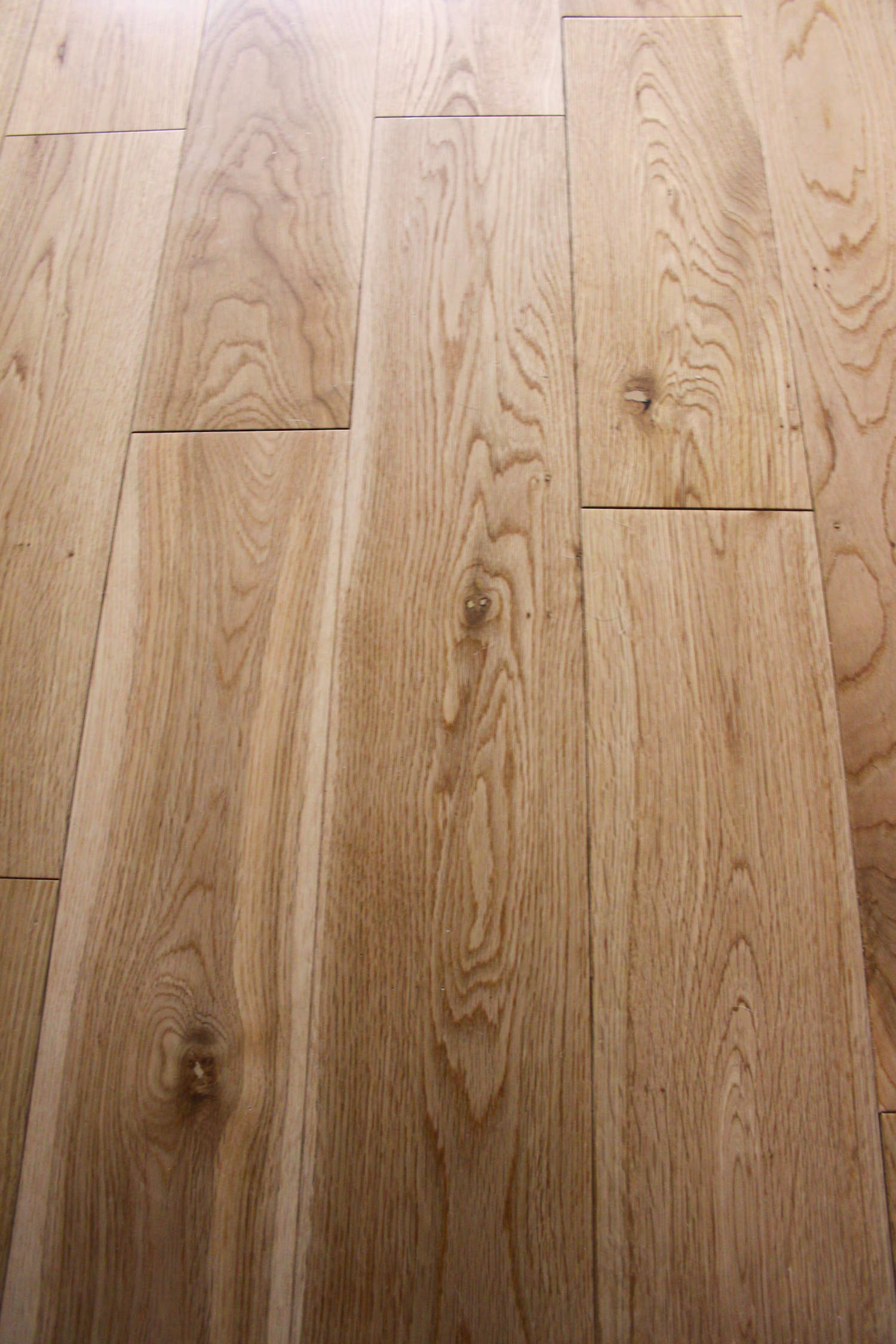 Beautiful engineered oak wood flooring in north wales