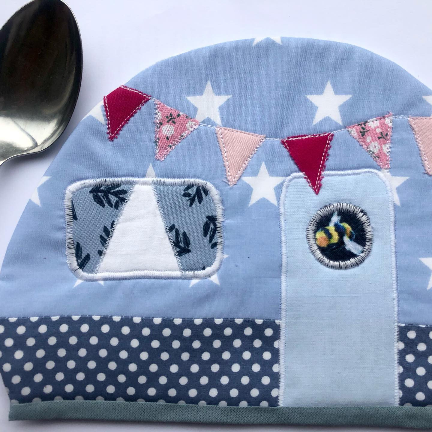 Padded pan holders with Insulated-bright and wadding.  You can request a colour scheme £15