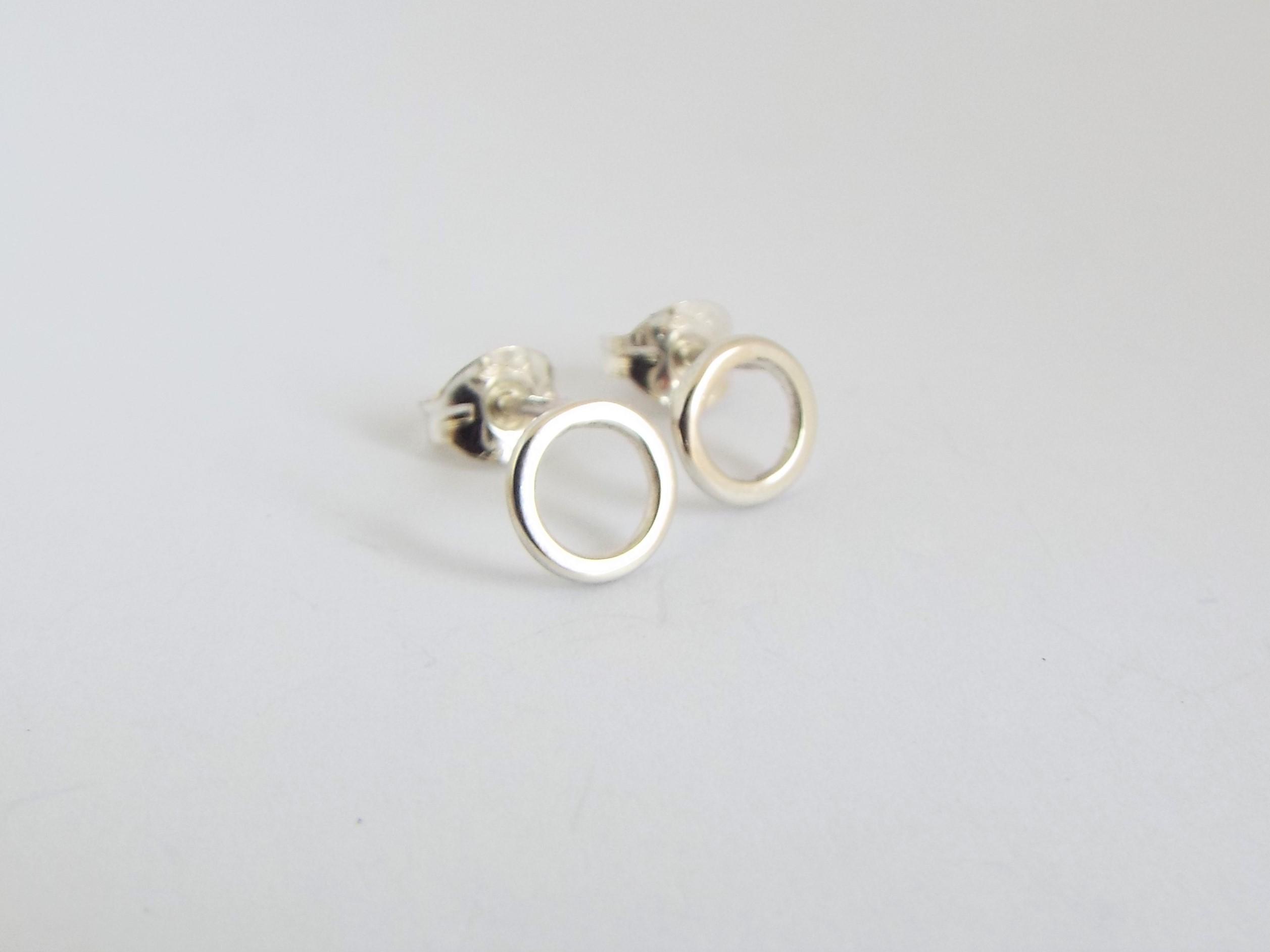 Silver circle 2jpg