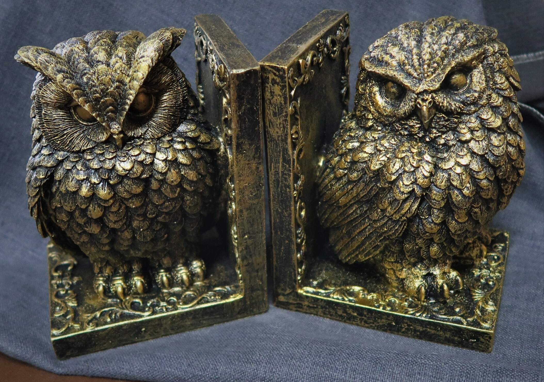 Owl bookends in resin.