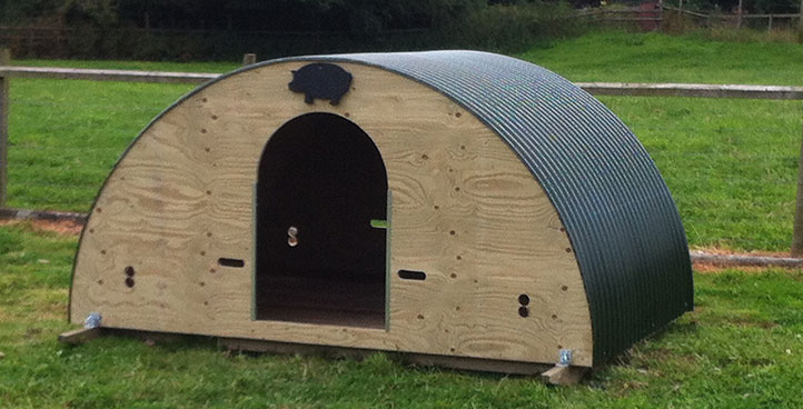Pig Ark Ready Built with Removable Floor