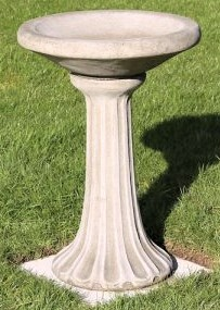 Elsted Bird bath