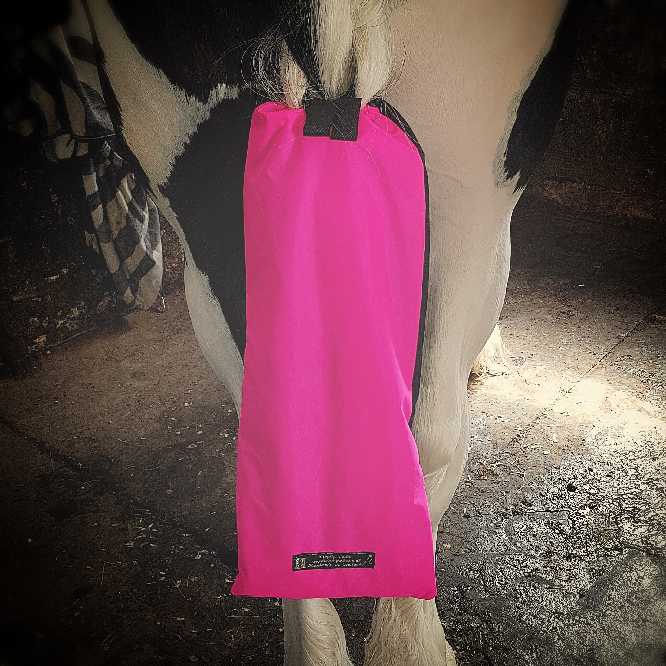 Heavy Duty Tail Bag - Black & Pink