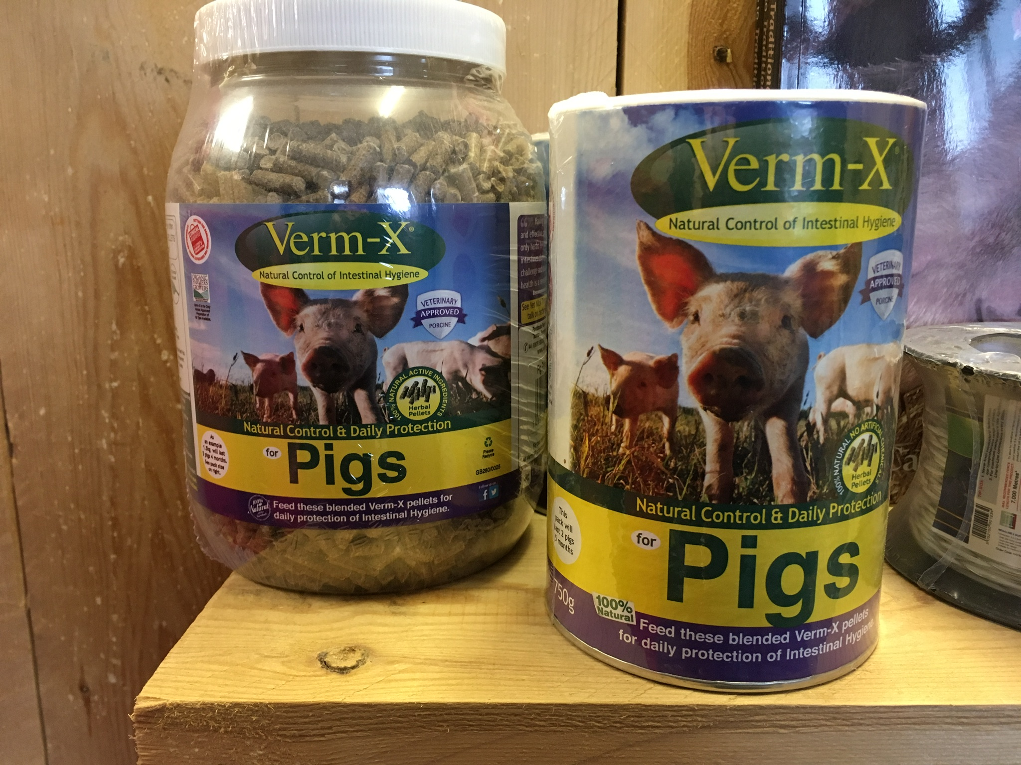 Verm-X for Keeping Pigs